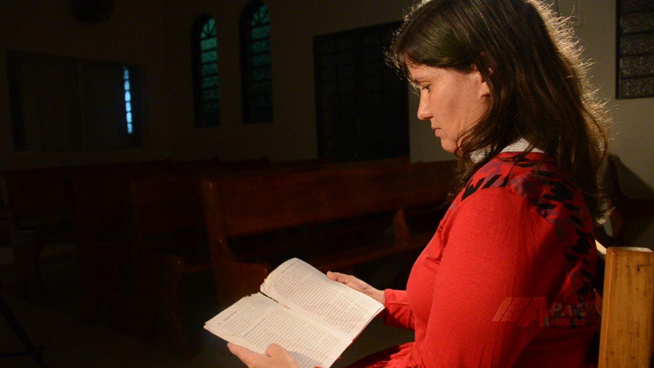 Katia e o livro devorado: planos divinos