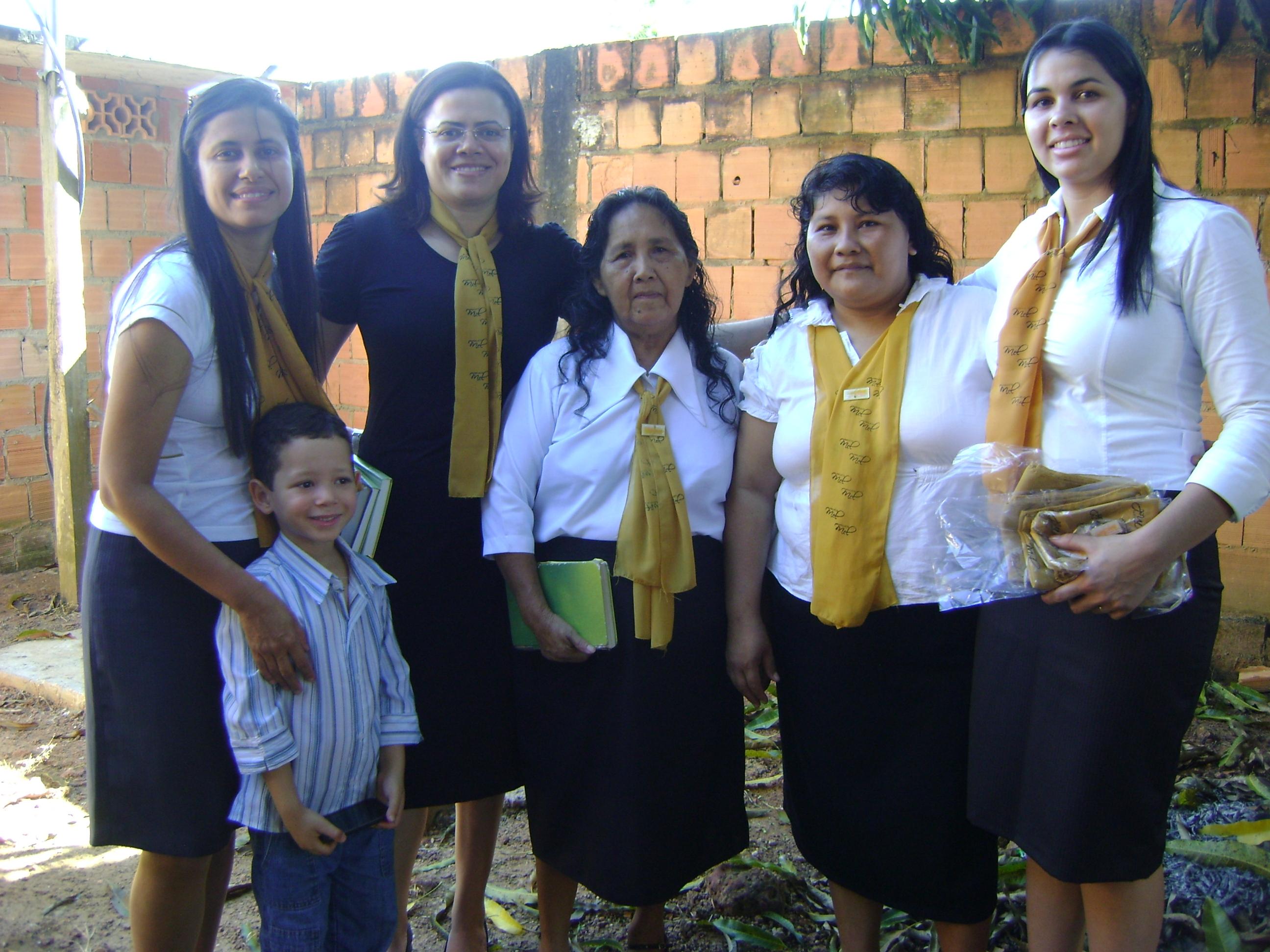 Mulheres indígenas são motivadas a evangelizar.