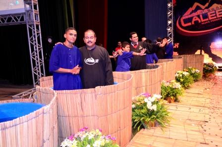 Calebes de Recife celebram missão cumprida.