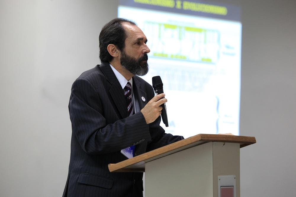 Nahor Neves, geólogo e professor universitário do Centro Universitário Adventista, campus Engenheiro Coelho.
