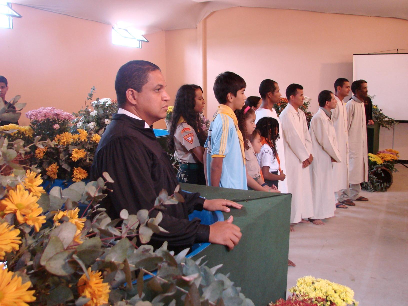 Canditatos ao batismo reafirmam decisão de seguir a Igreja Adventista