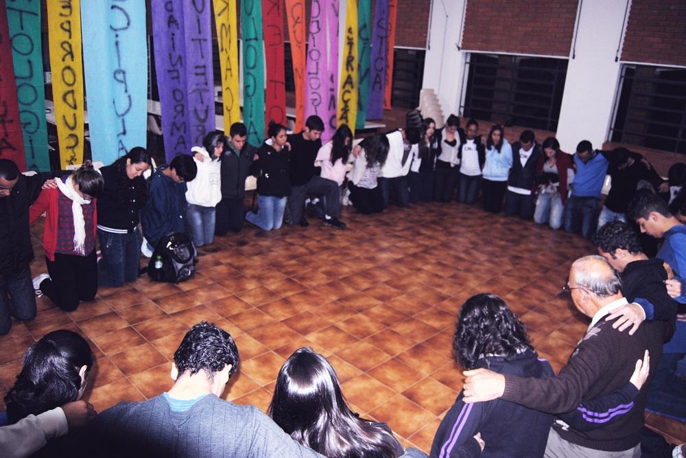 Foi através de um grupo no Facebook, composto de universitários adventistas de São Carlos, que Rafael conseguiu organizar o evento.