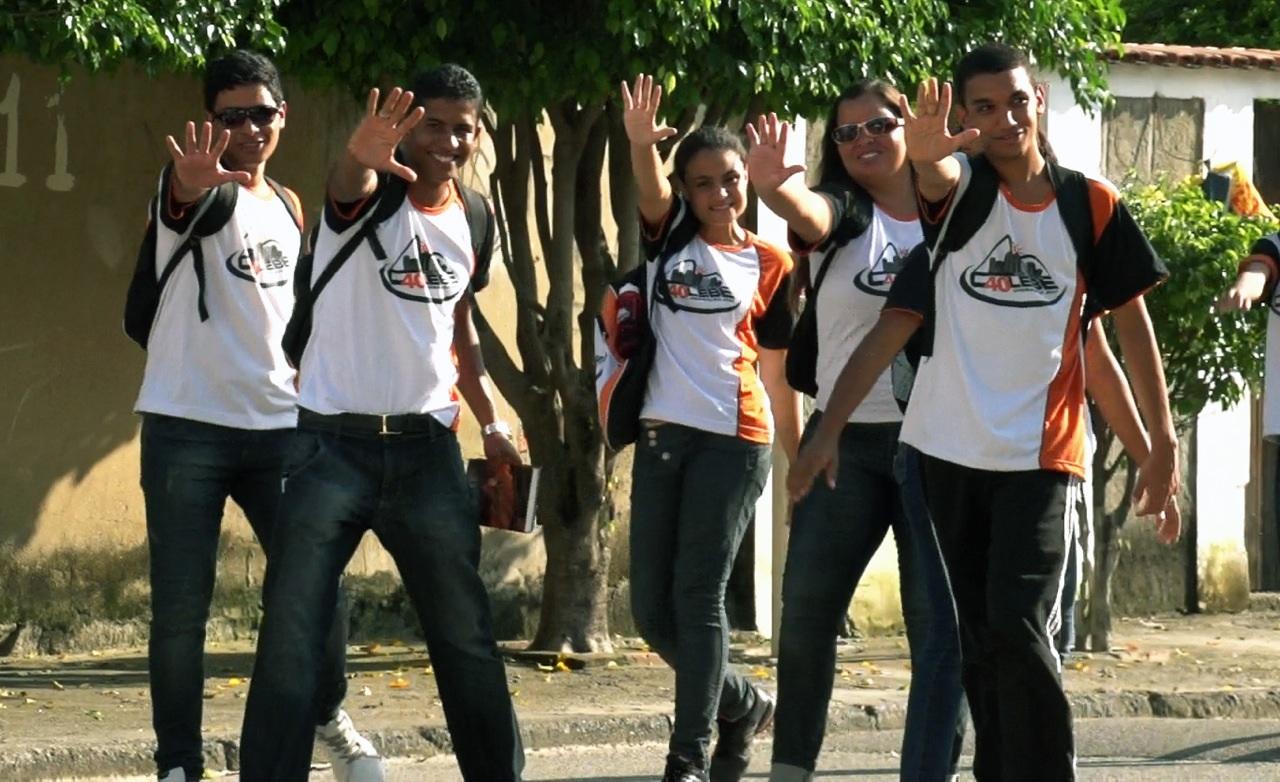 Doze jovens fizeram a diferença na comunidade conhecida como a terceira maior do Brasil