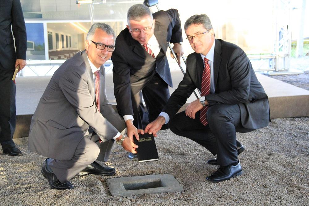 Líderes da Igreja Adventista no lançamento da pedra fundamental da Igreja Adventista em Águas Claras.