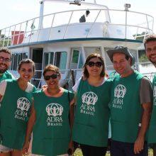 Lanchas adquiridas pela ADRA levaram os voluntários até as comunidades