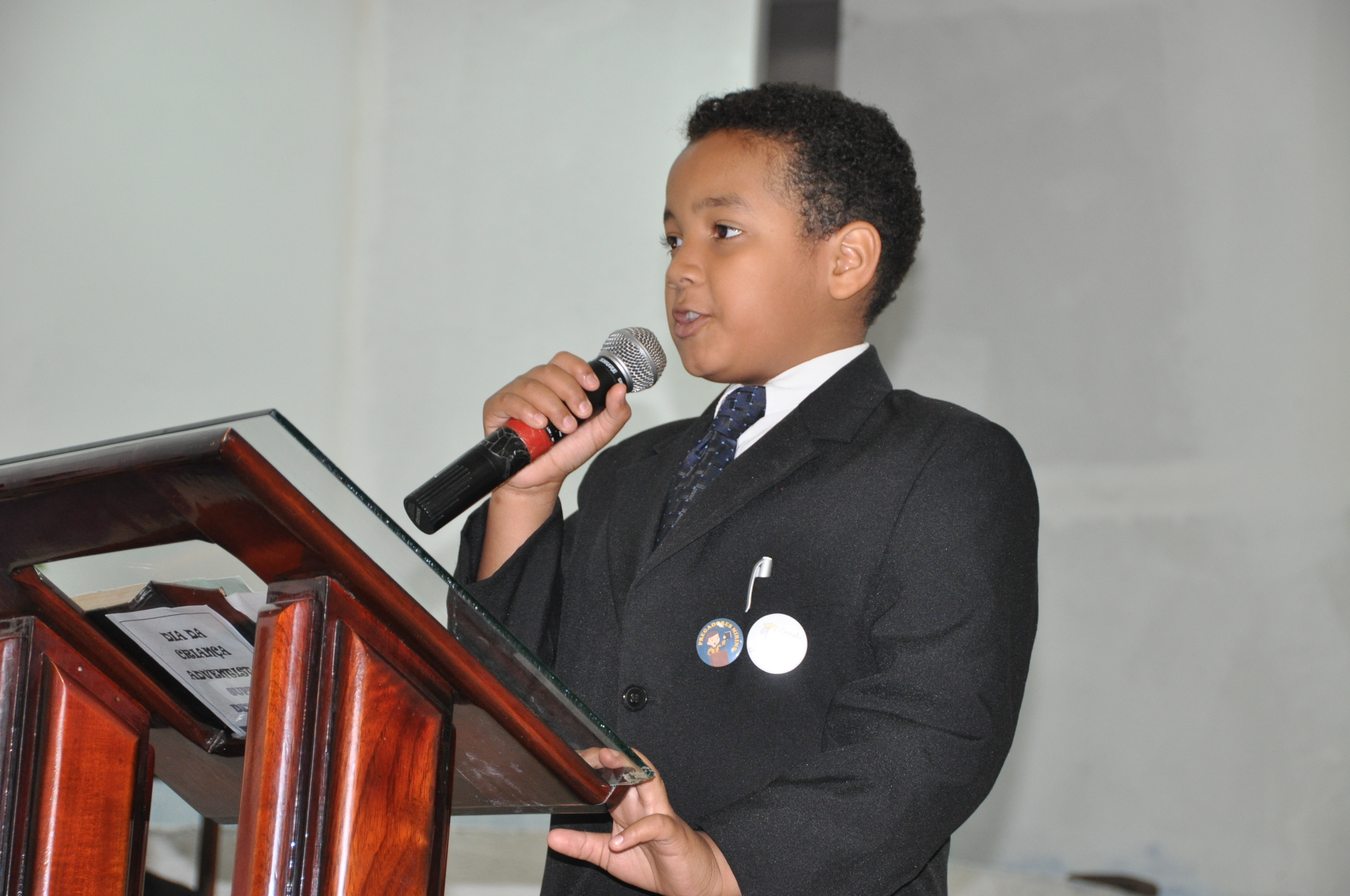 Juvenil prega e se batiza no mesmo dia