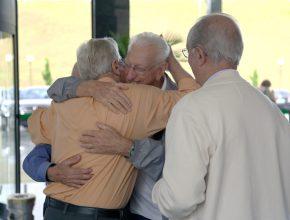 Nos intervalos da programação, pastores relembravam época de Ministério