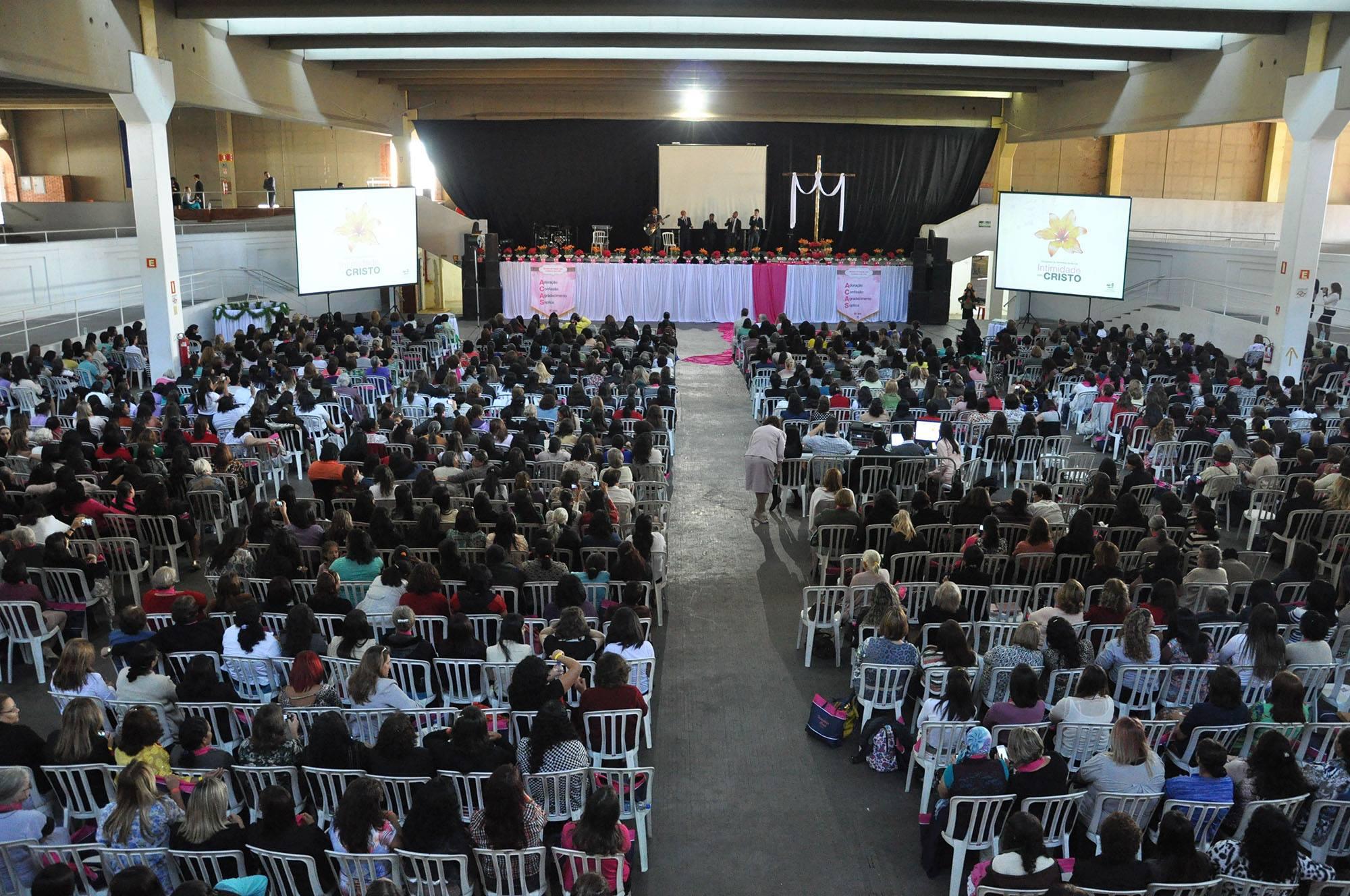 No sudoeste paulistano há um grupo de 14 mil mulheres, membros na Igreja Adventista.width=
