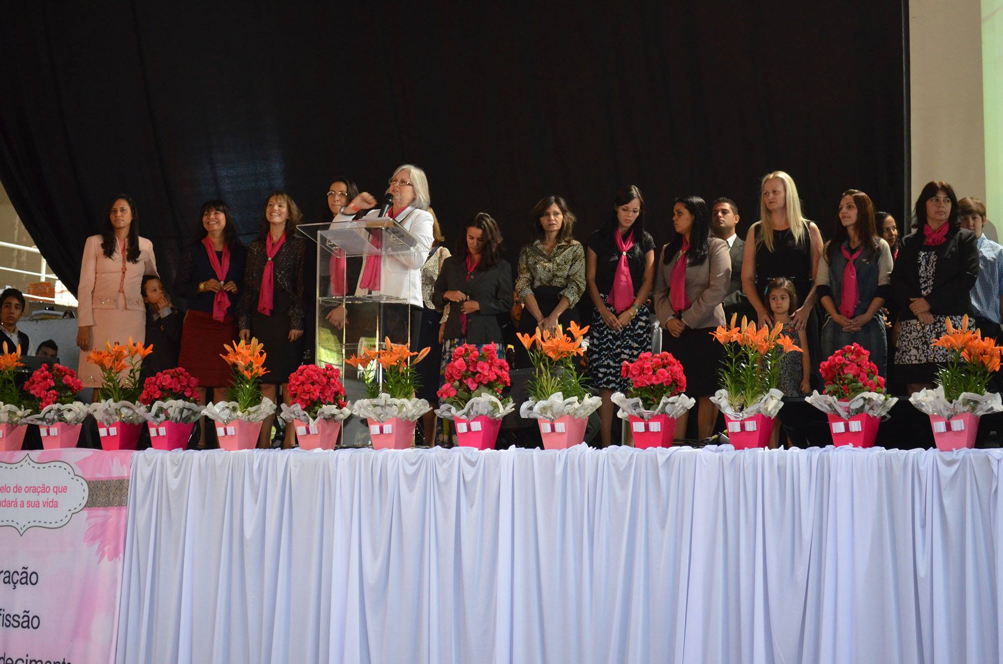 O evento contou com a presença das esposas de pastores da região.