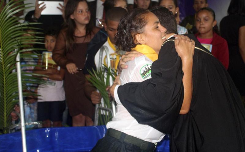 Muitas pessoas tomaram a decisão de se batizar durante a semana de colheita.