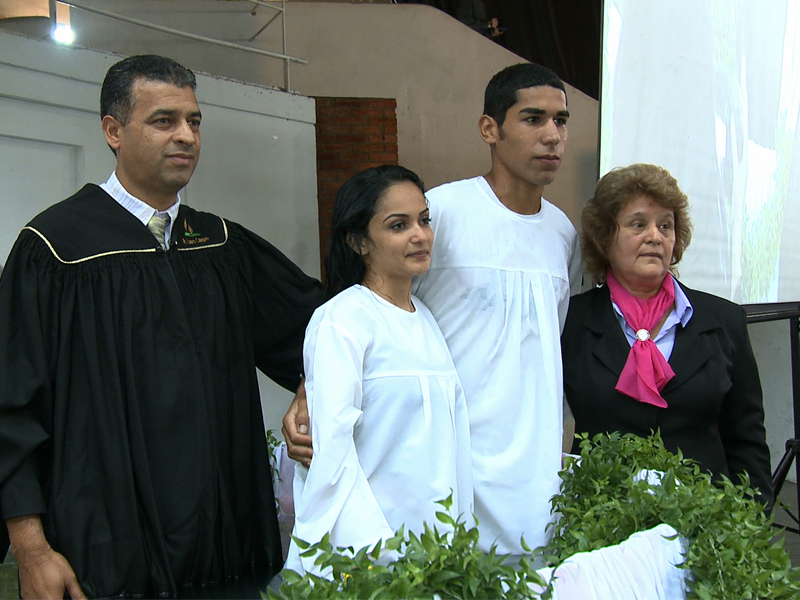 Dinohah(direita) já levou 26 pessoas ao batismo, fruto do seu trabalho missionário em Ourinhos.