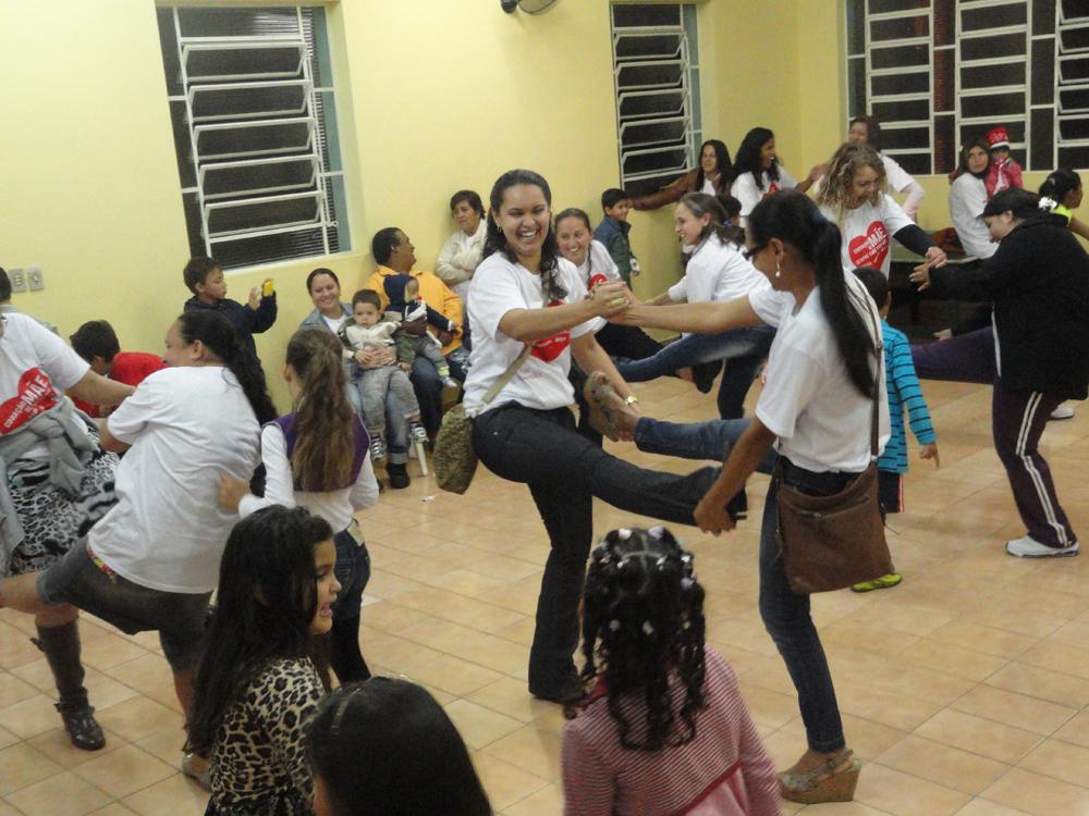 No núcleo de Itaberá a programação contou com  a presença de 50 mães.