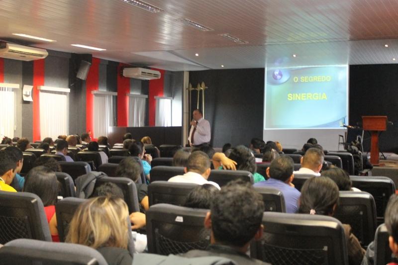 Laerte Lanza, apresentador da TV Novo Tempo, no Encontro de Comunicação da AAmaR.