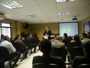 O presidente da AMS, o pastor Gustavo de Sá, lançou o programa aos pastores.