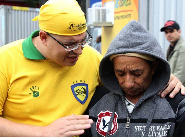 Voluntarios-do-projeto-Esperanca-Brasil-impactam-a-capital-gaucha11
