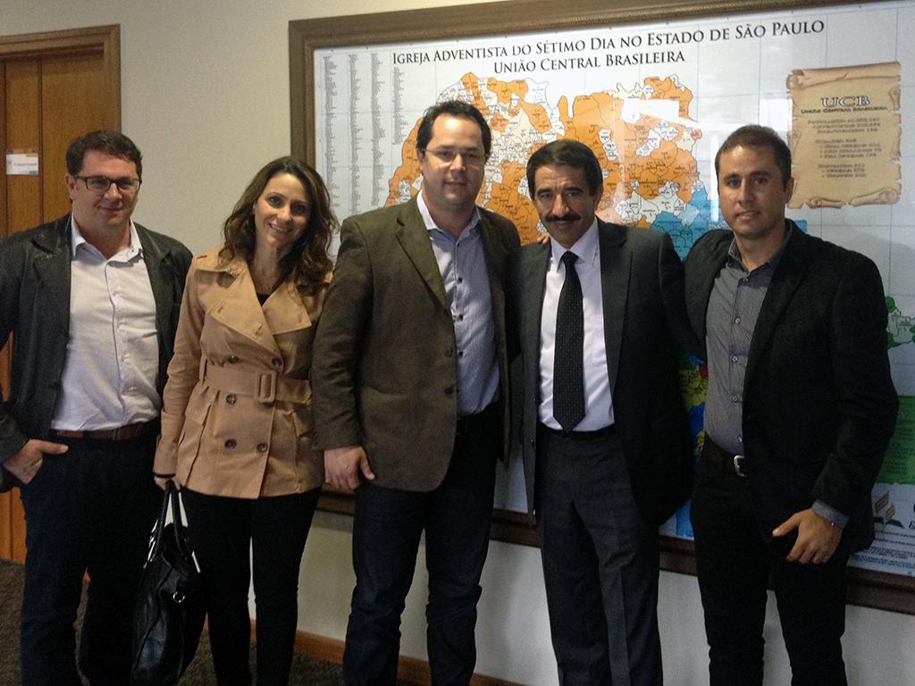 Da esquerda para a direita: Lucelino Oliveira, Viviane Cocco, Saulo Souza, Pr. Domingos Sousa e Sandro Palma