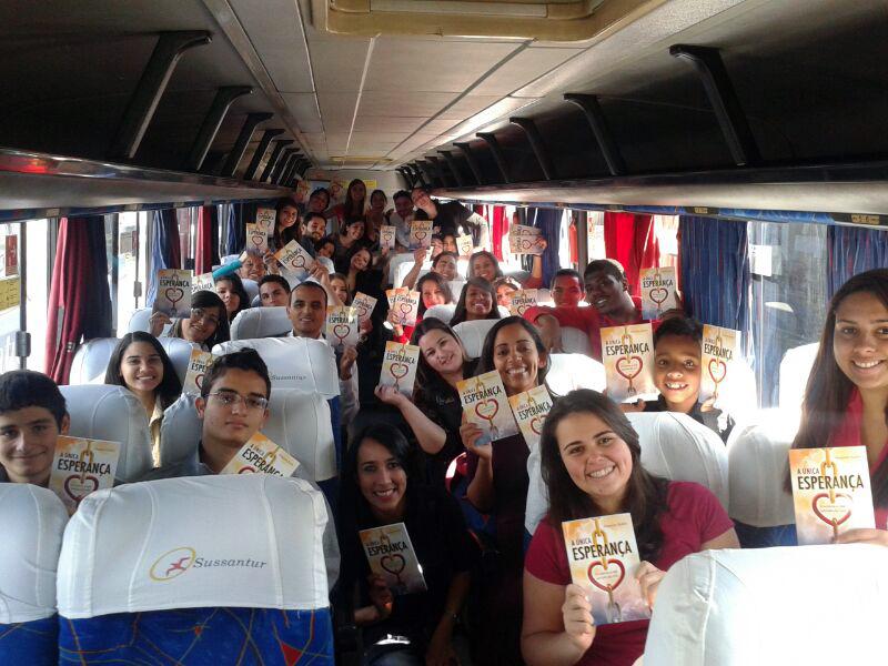 Ao todo, foram 6 ônibus do Unasp que saíram carregados com 40 mil livros