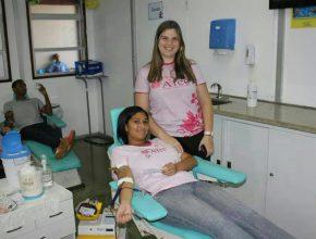 Envolvidos no projeto aproveitaram para doar sangue neste dia..