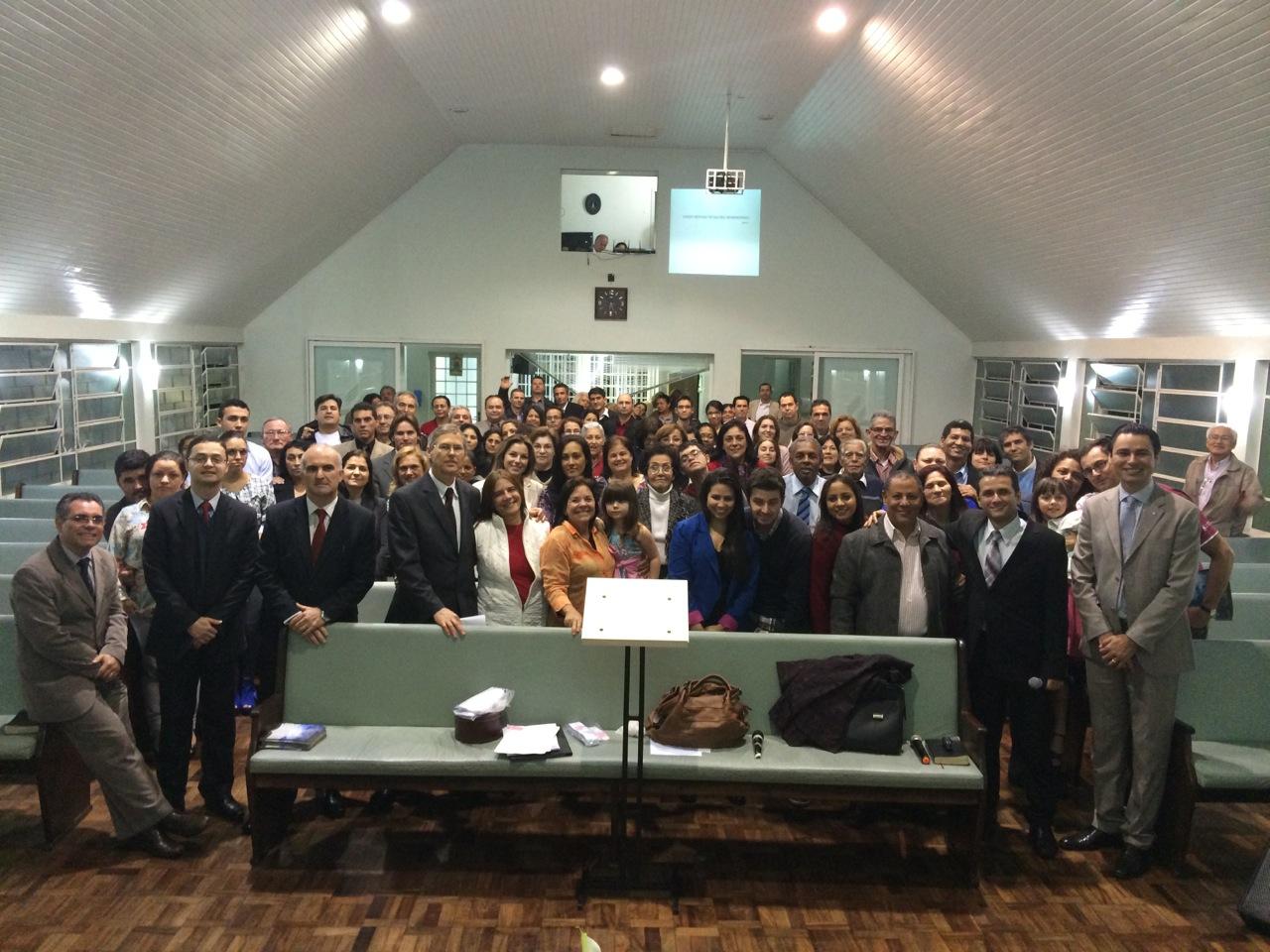 Neste ano, 120 pessoas já se batizaram no Sul do Paraná por influência da TV ou Rádio NT