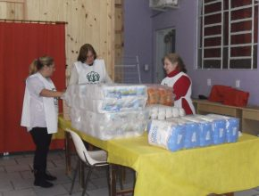 Voluntárias da ASA organizam doações para atingidos pelas as enchentes