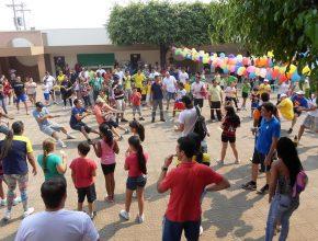 Gincana entre pais e filhos agitou o Colégio Adventista por 3 horas.