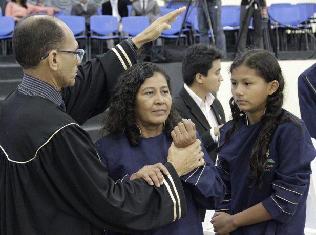 Cerca-de-8-mil-pessoas-participam-de-semana-evangelistica-em-Manaus7