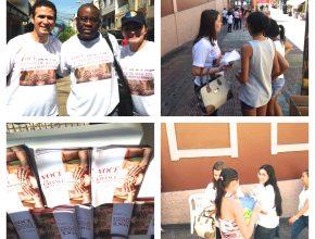 Cerca de 10 mil panfletos sobre como se tornar um doador foram entregues no centro de Manaus.