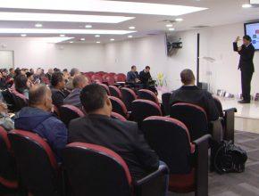 Evangelistas recebendo treinamento