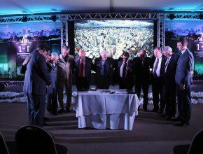 Líderes oram pelo projeto que irá envolver as grandes ações da Igreja Adventista em SP