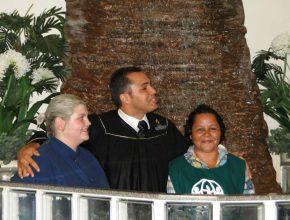 Mais de 20 pessoas se entregaram a Cristo através do batismo.