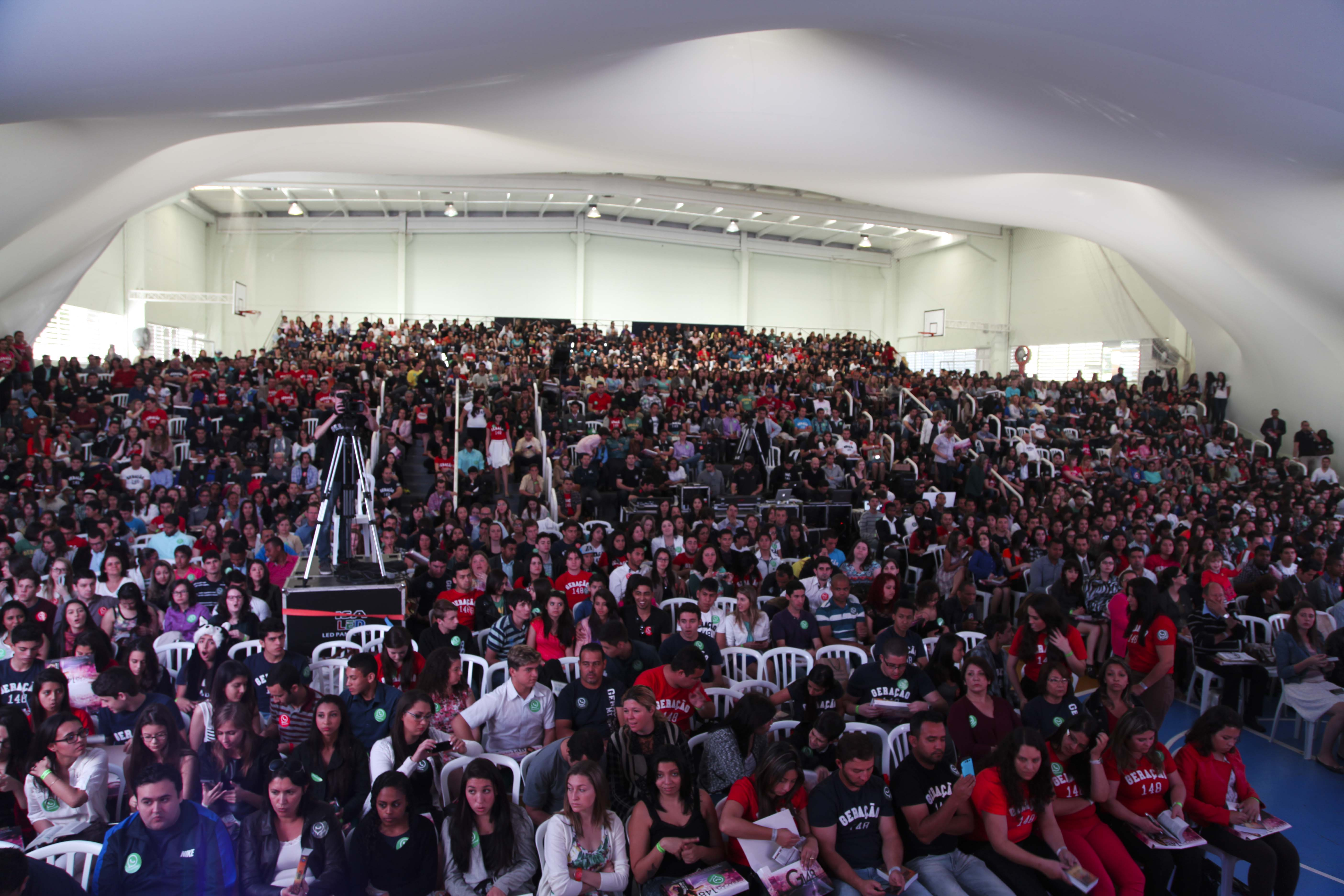 Mais de 2 mil pessoas estiveram reunidas na programação que durou 10 horas