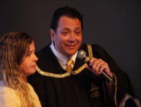 No momento do apelo, Luana aceitou voltar para Jesus e saiu do Congresso Jovem rebatizada