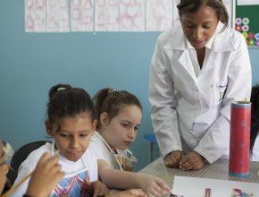 Alunos de enfermagem aprendem na prática o valor de se doar  ao próximo