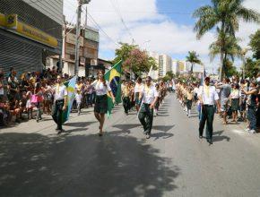 Demonstrando espírito cívico Desbravadores participaram do Desfile de 07 de setembro