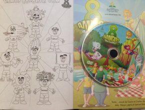 Parte interna da revista tem também área para colorir e o DVD