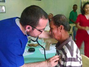 Médico de Curitiba participa de projeto voluntário da Igreja Adventista nas Filipinas. Fotos: arquivo pessoal / Carlos Frank