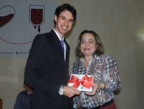 Representante da Igreja Adventista no Ceará recebe homenagem do Hemocentro.