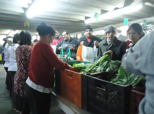 Feira-solidaria-auxilia-famílias-e-comunidade-no-interior-paulista3