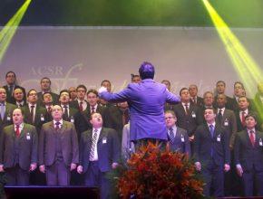 """O Coral de pastores da ACSR também apresentou-se no programa cantando o hino """"Caminho de Esperança"""", que remete à volta de Jesus."""