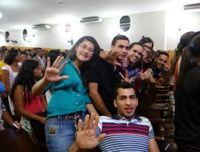 Equipes vão realizar serviços voluntários e evangelismo em janeiro de 2015 (Foto: Geisiane Oliveira)