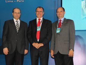 Pr. Eber Liessi, ao lado dos dois novos colegas de administração, pastores Geovani Queiroz e Ivo Vasconcelos