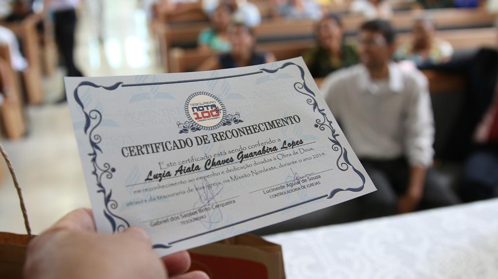 Certificado Nota 100 foi entregue a todos tesoureiros