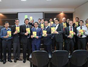 Lançamento oficial do livro missionário Viva com Esperança.