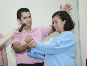 Doralice já faz planos para participar no evangelismo. (Fotos: Katia Nunes)