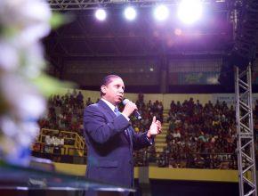 O pastor Luís Gonçalves foi o pregador do evento e parabenizou a IASD de São Luís por seu empenho na pregação do evangelho.