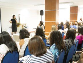 Líderes de todo o Estado estiveram reunidas durante um dia de palestras educativas sobre literatura infanto-juvenil de qualidade.