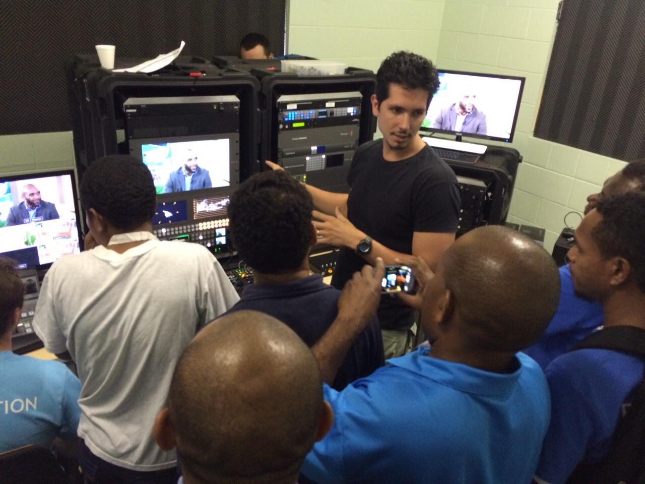 Novo-Tempo-apoia-implantacao-de-canal-televisivo-em-Papua-Nova-Guine1