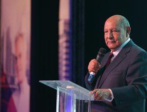 Durante concílio pastoral, Alejandro Bullón inspirou participantes com mensagens sobre ministério de Paulo