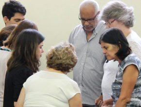 Pequenos Grupos se unem em oração