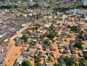 A cheia atingiu 40 dos 212 bairros da cidade, desabrigou seis mil pessoas e afetou diretamente 71 mil pessoas.